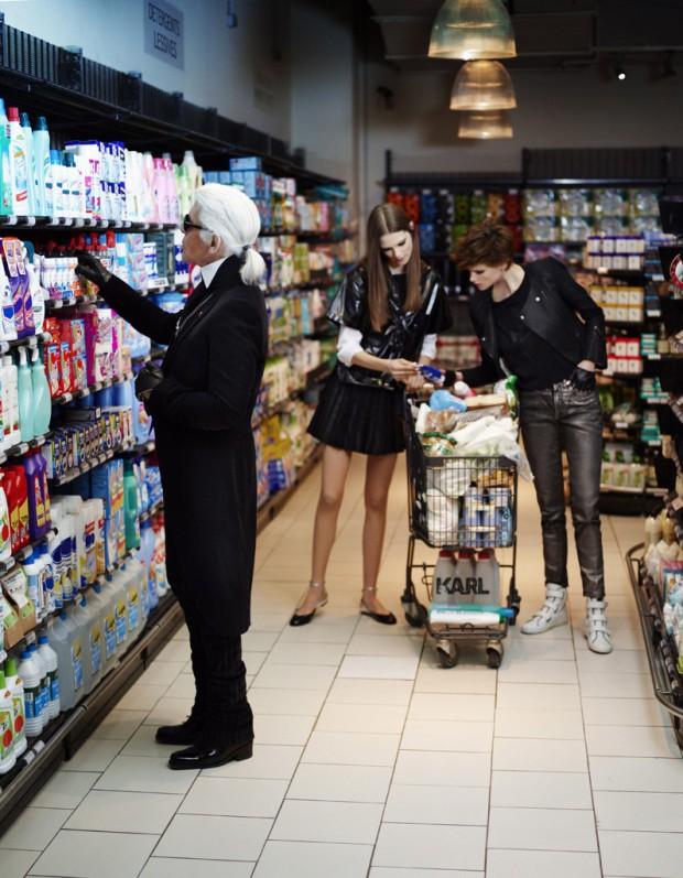 Exclu-Karl-fait-defiler-Chanel-dans-un-supermarche_visuel_article2