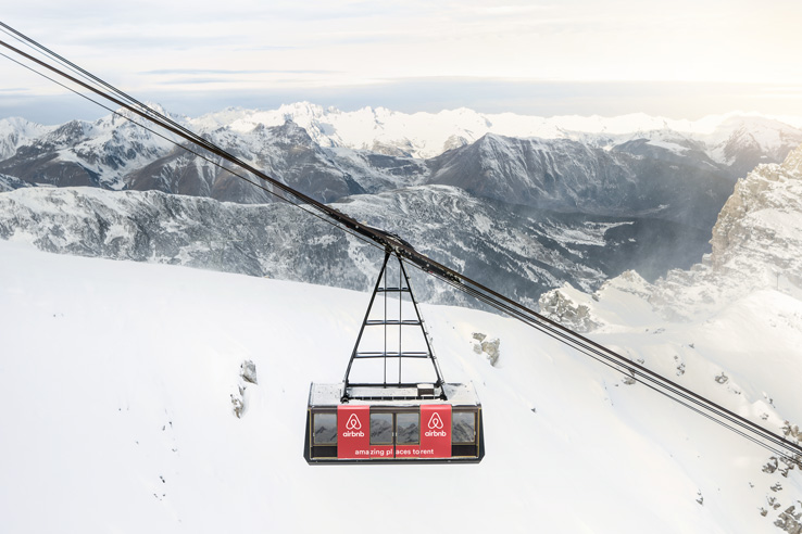 airbnb-courchevel-telecabine-ski-2